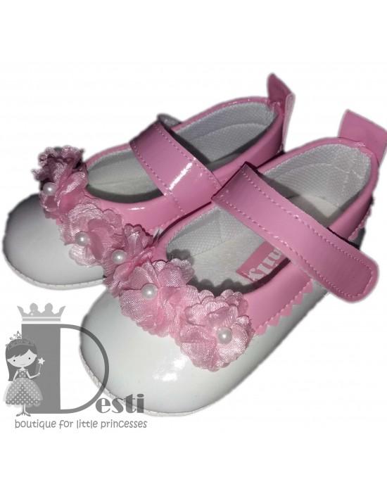 Кожени меки обувки с цветчета